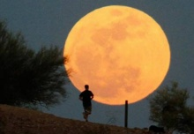 ทำนายฝัน ฝันเห็นพระอาทิตย์ พระจันทร์ทรงกลด